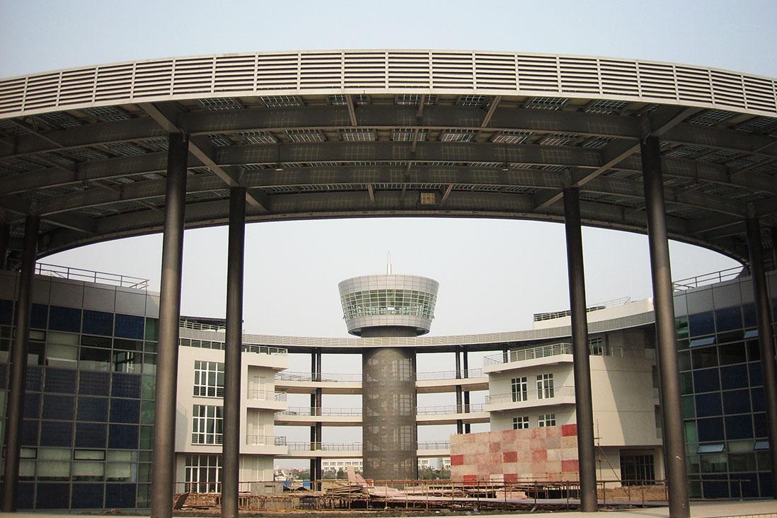 上海太陽能工程技術中心兆瓦級BIPV光伏電站